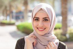 Gunakan Pewangi Hijab dan Pakaian bak Parfum Kerajaan Agar Percaya Diri Sepanjang Hari
