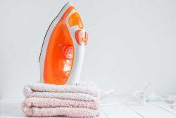 Tips Menyetrika Pakaian yang Baik